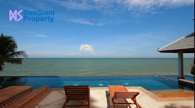 82 Beachfront infinity pool