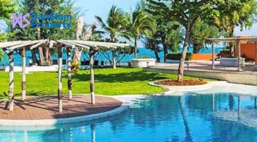 83 Beachfront pool
