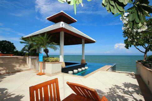 84 Beachfront Sala