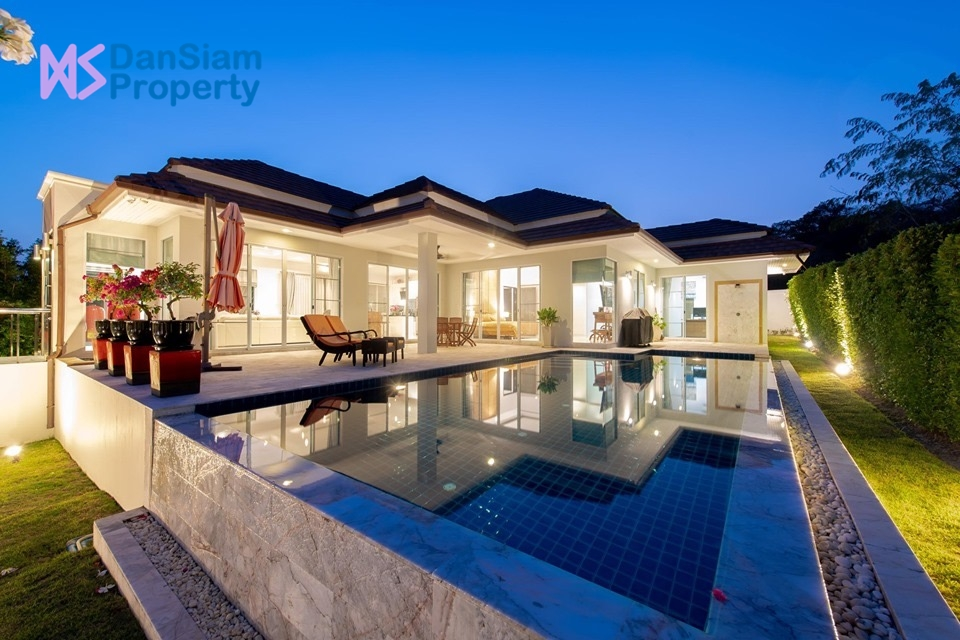 Luxury 3-Bed Pool Villa in Hua Hin at Red Mountain