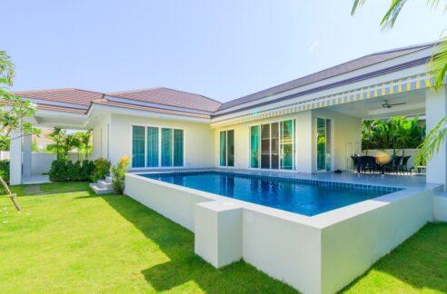 01 Woodlands Residence Pool Villa
