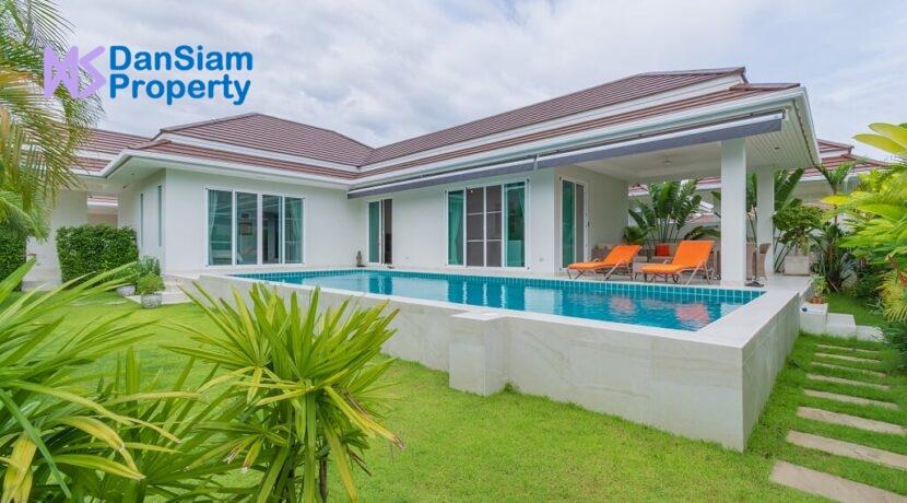 01 Woodlands Residences Pool Villa