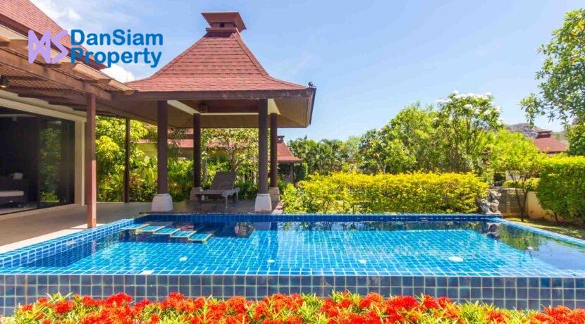 03C Great pool environment