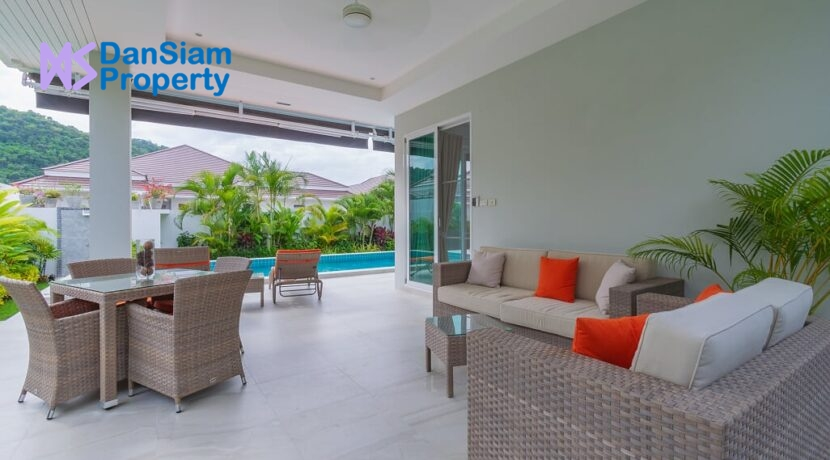 05 Shaded furnished terrace