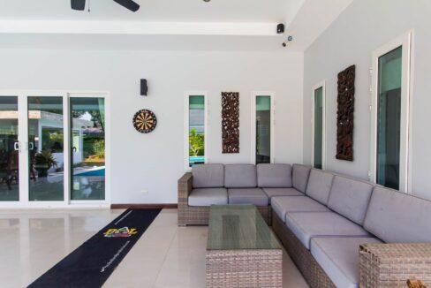 06 Great outdoor living area