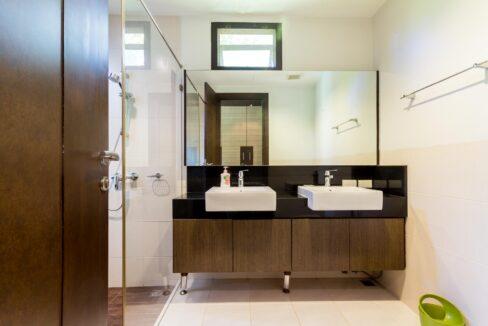 24 House#37 Ensuite master bathroom