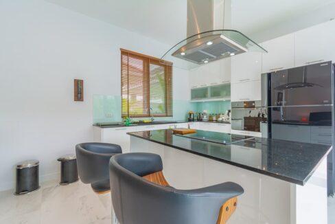 26 Nice kitchen dining isle