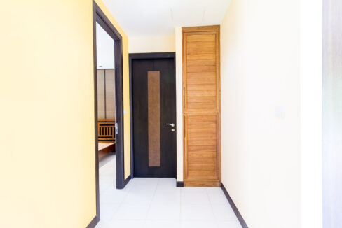 39 Walkway to bedroom#2