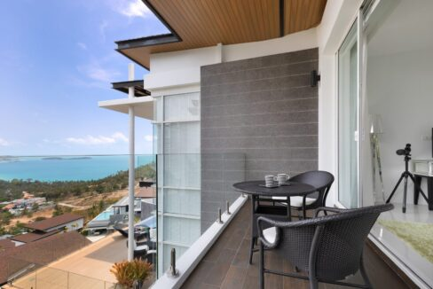 42 Balcony with sea view