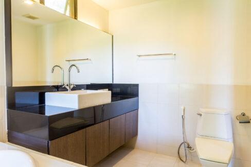 43 House#36 Ensuite master bathroom