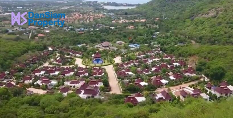 Great Quality 4-Bed Pool Villa in Hua Hin at Panorama Resort