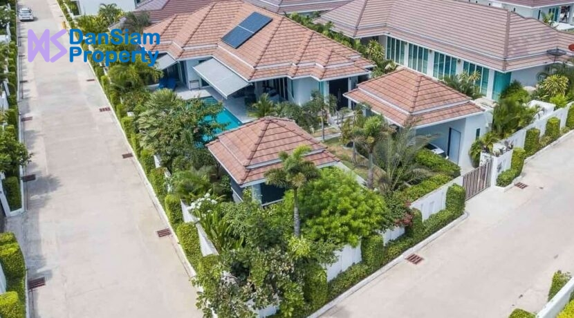 01 Exceptional villa at Woodlands Residences