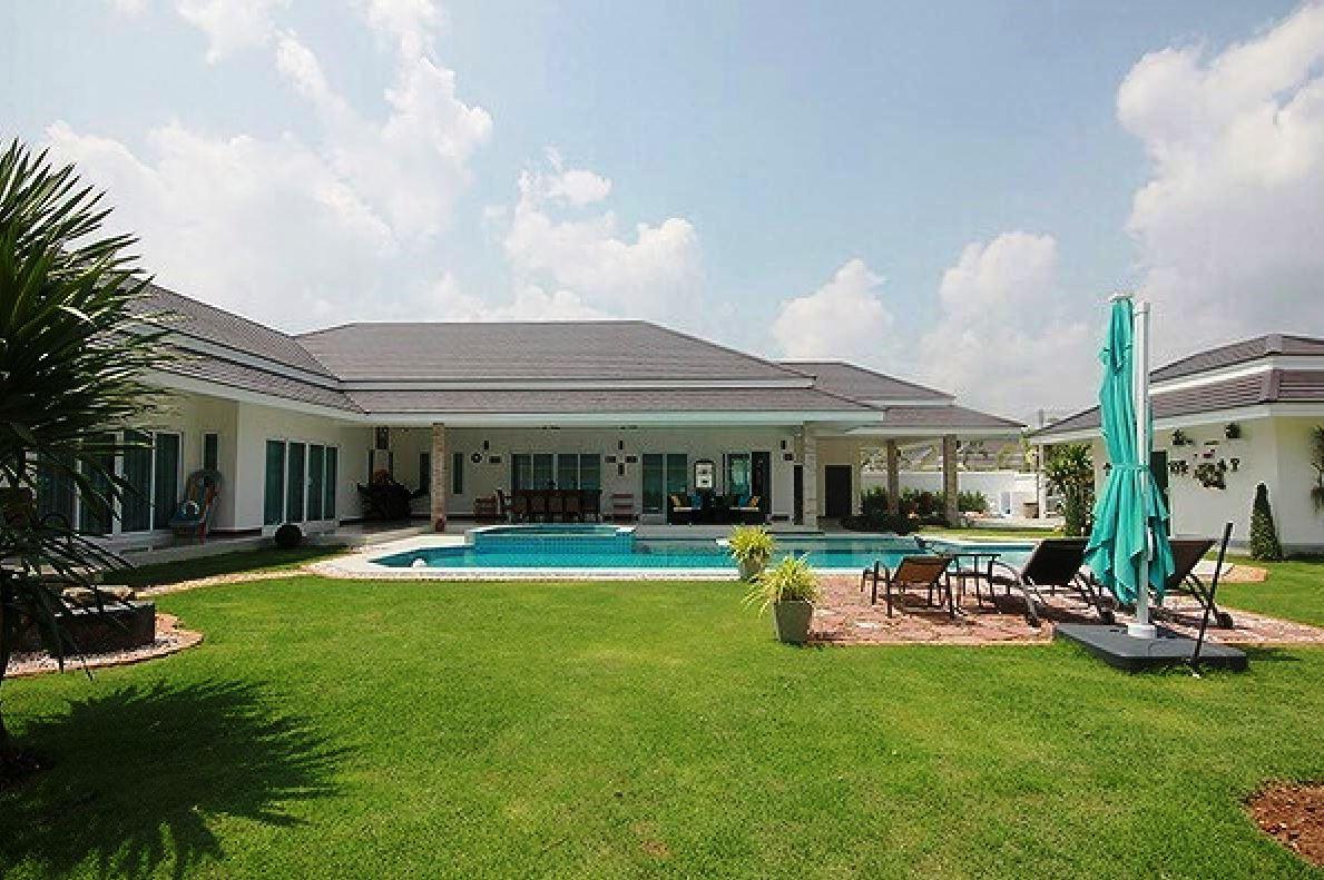 Exceptional Villa in Hua Hin near Palm Hills Golf Resort