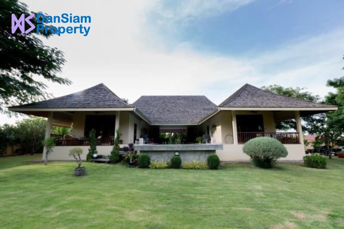 Great Designed 3-Bedroom Pool Villa on Large Land Plot