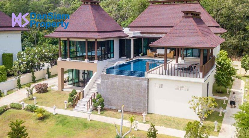 01D Exceptional Bali-style sea view villa