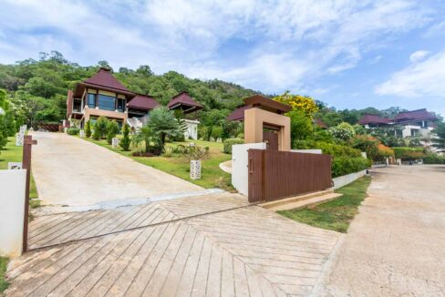 02 Exceptional Bali-style sea view villa