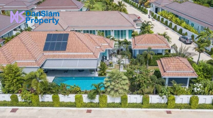 02 Exceptional villa at Woodlands Residences