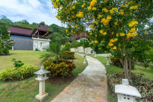 03A Villa on extra-large plot