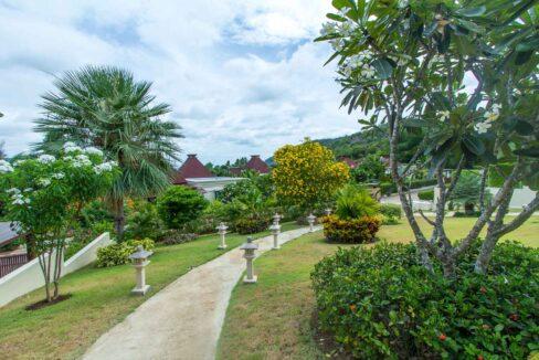 03B Beautiful landscaped garden