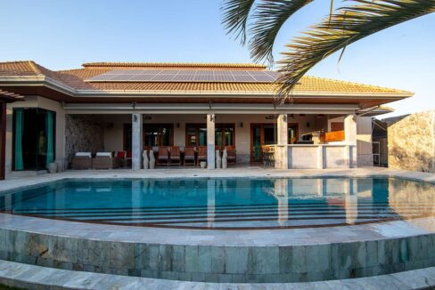 04B 12 meter long swimming pool