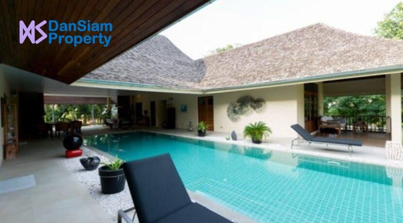 05 Large swimming pool