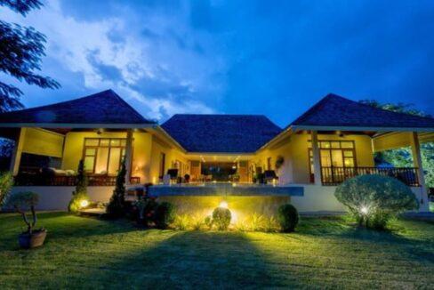 06 Villa illuminated