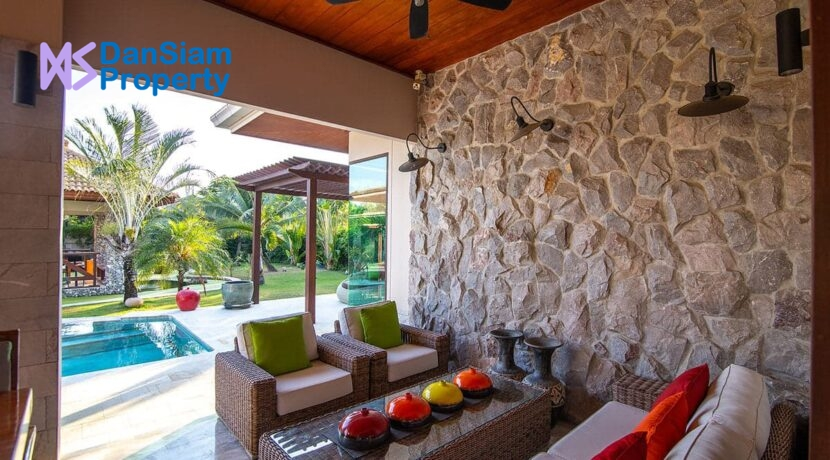 06A Outdoor living area