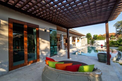 06B Outdoor living area