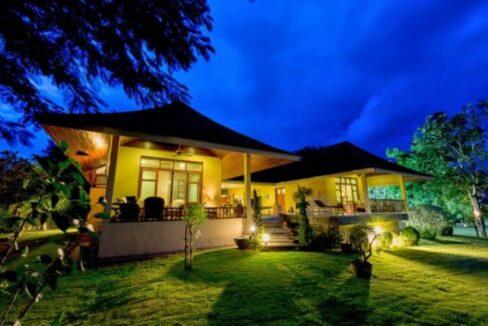 07 Villa illuminated