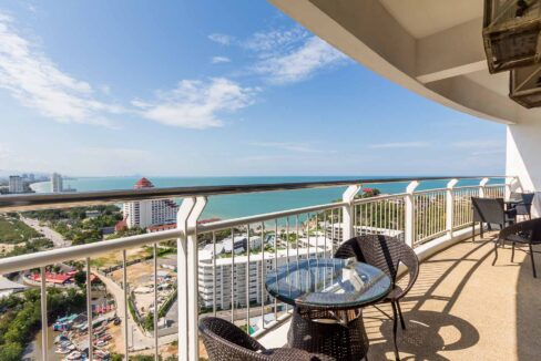 14 Condo Wide Balcony With Stunning View