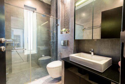 60 Bathroom#2 (Shared)