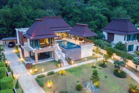 80B Villa by nightfall