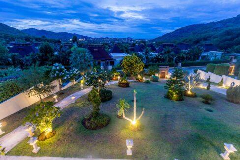 82 Villa by nightfall