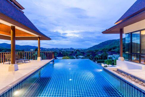 83C Villa by nightfall