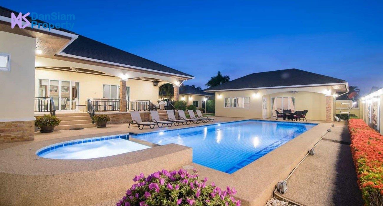 Well-designed Pool Villa in Cha-am at Ban Tawan Estate
