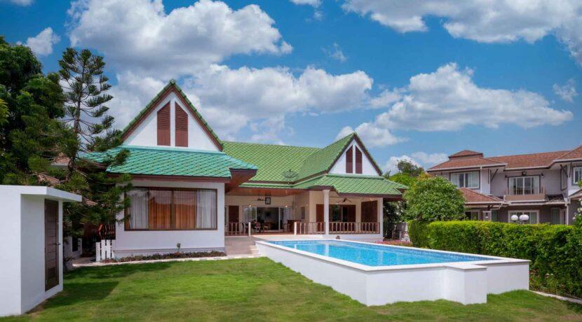01 Lakeside Golf Villa