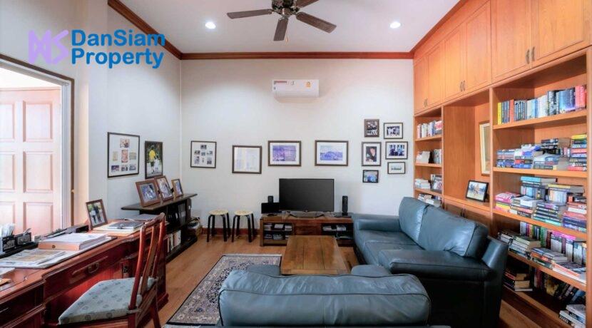 50 Office&TV room