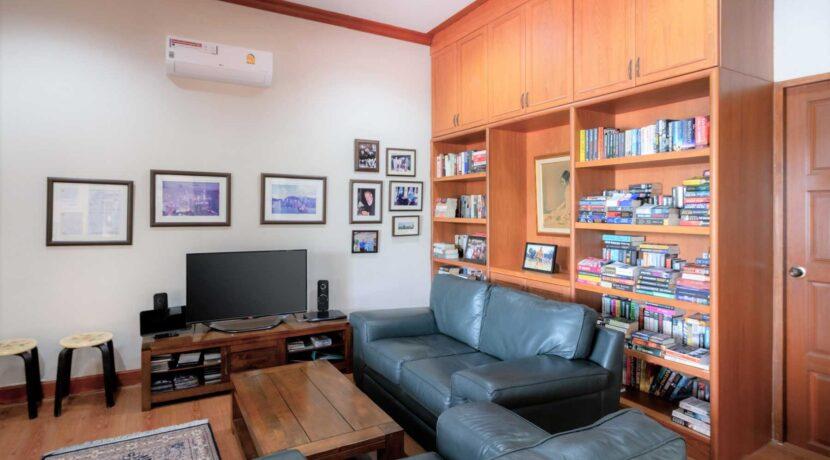 51 Office&TV room