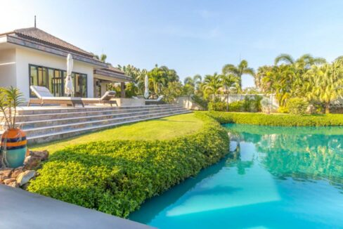01 Luxury Bali Style Pool Villa