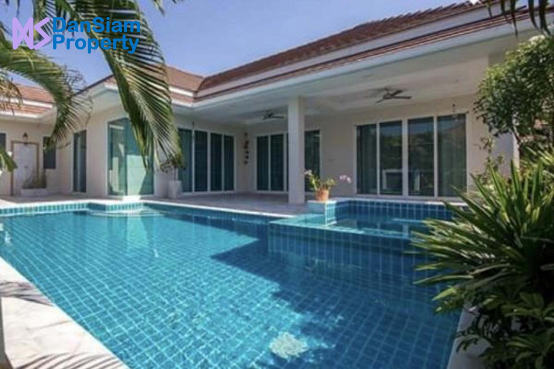 Luxury 3-Bed Pool Villa in Hua Hin at Red Mountain Boutique