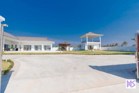 02 Brand new 5-Bed pool villa