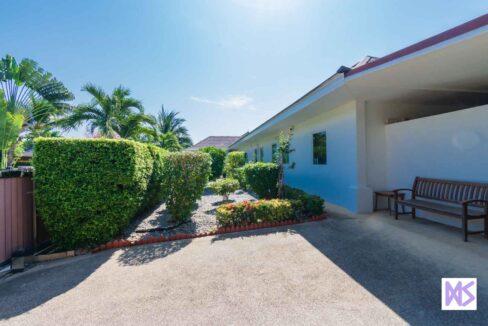 02B Great Design 5-7 Bed pool villa