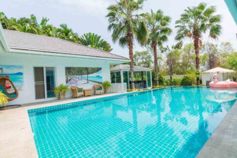 03 Luxury 5-Bed pool villa