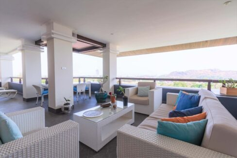 03A Penthouse balcony