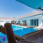 04a Villa Shaped Around Large Pool