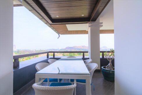 04C Penthouse balcony