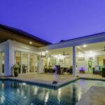 05 Villa With Night Illumination