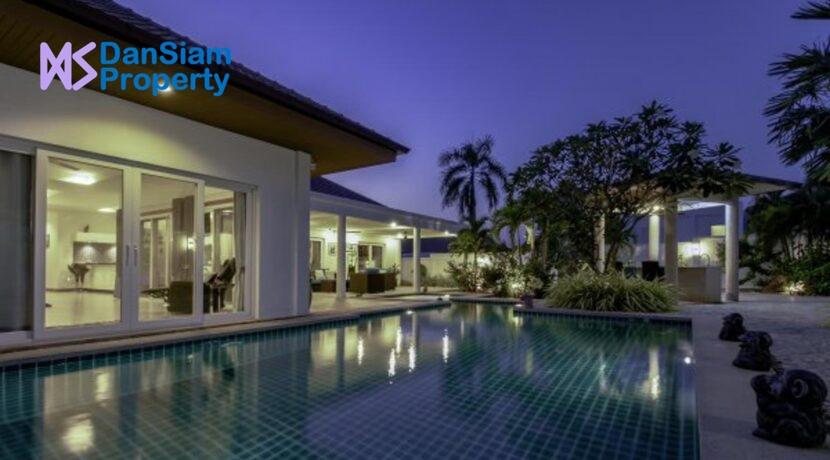 06 Villa with night illumination