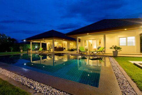 07 Villa with night illumination