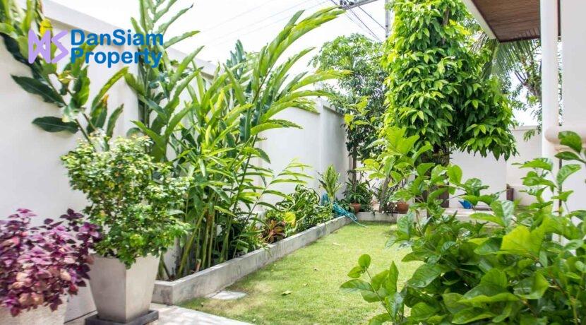 07B Landscaped gardens